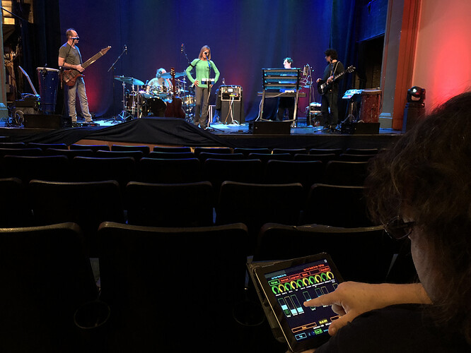 Robert-Frazza-Gig-Performer-tablet-with-OSC-app
