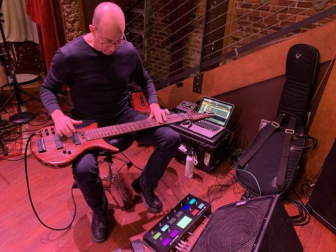 Trey-Gunn-playing-Gig-Performer
