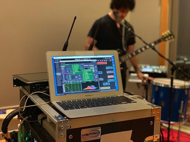 Robert-Frazza-Gig-Performer-running-on-MacBook-Air